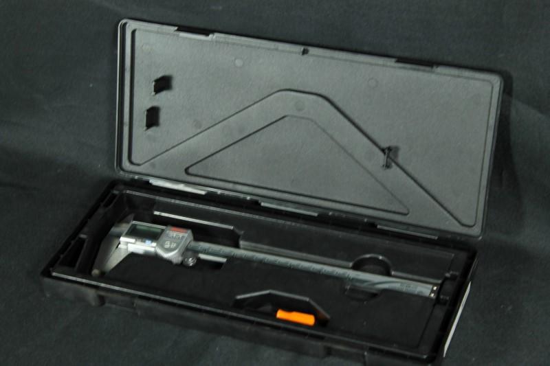 "Mitutoyo 500-753-10 Absolute Digital Caliper 0 - 8"" Coolant-Proof IP 67"