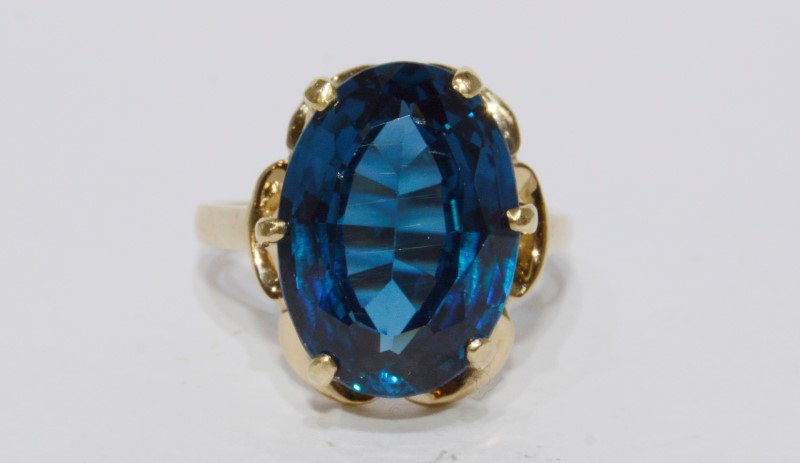 10K Yellow Gold Prong Set Floral Inspired Large Deep Blue Topaz Cocktail Ring 8
