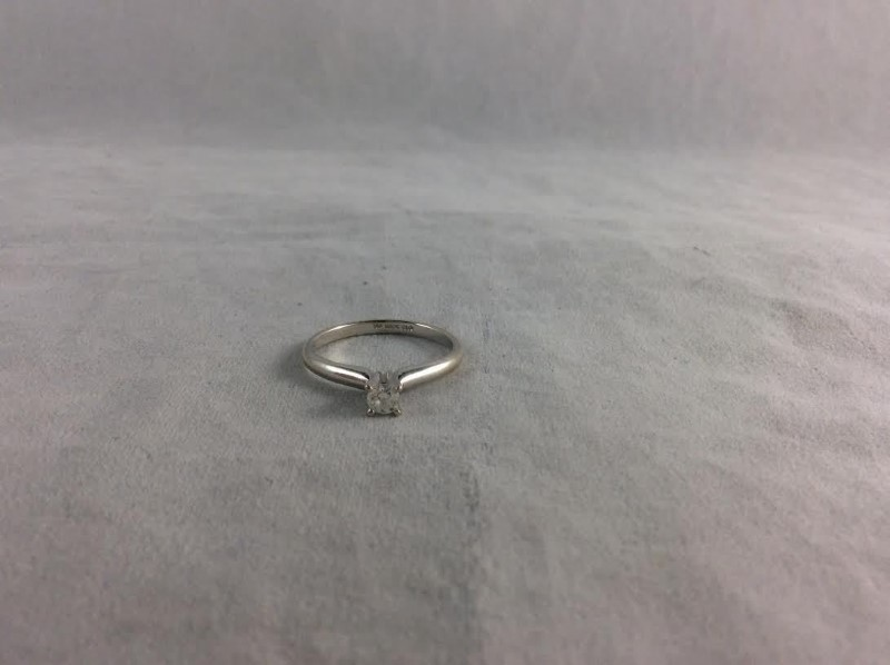 Beautiful Solitaire Diamond Engagement Ring 14K White Gold .20 CTW Size 6.75