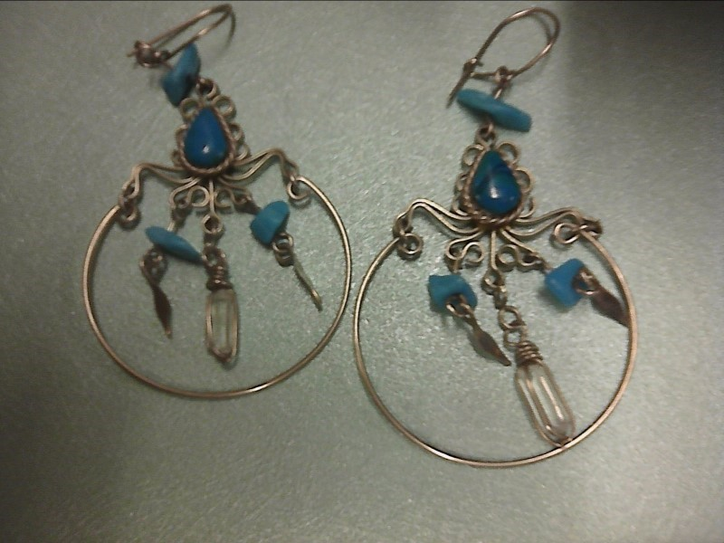 EARRINGS WITH TOURQ AND CRYSTAL