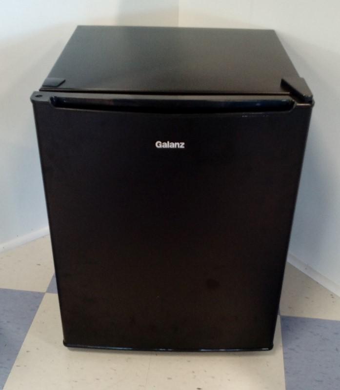 GALANZ 2.7 CU FT SINGLE-DOOR REFRIGERATOR GL27BK BLACK