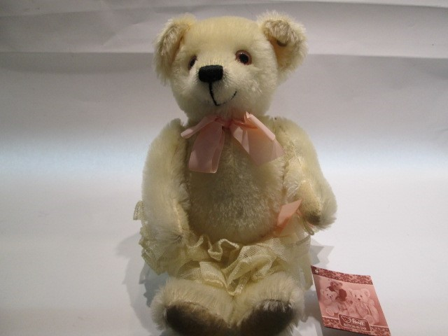 "STEIFF BABY OPHELIA WHITE, MINT, 10.6"", FULLY JOINTED, ALL TAGS-BUTTON"