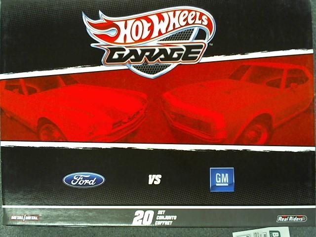 HOT WHEELS Toy Vehicle GARAGE FORD VS GM 20 SET