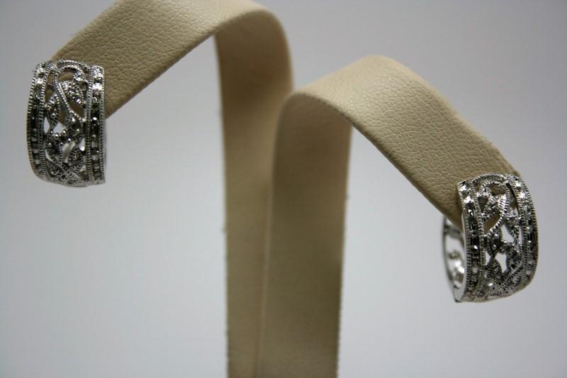 LADY'S FASHION DIAMOND EARRINGS 10K WHITE GOLD