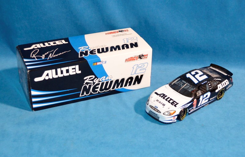 ACTION COLLECTABLES Toy Vehicle Ryan Newman #12 NASCAR 1:24 Diecast Car