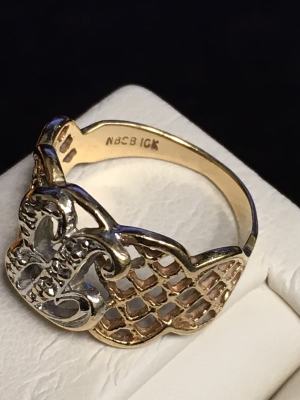 Lady's Gold Ring 10K Yellow Gold 1.9dwt Size:6