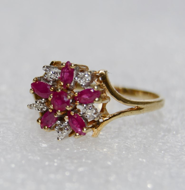 10K Yellow Gold Floral Inspired Marquise Ruby & Diamond Cluster Ring sz 7