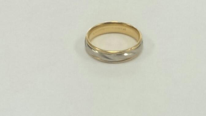 Gent's Gold Wedding Band 18K 2 Tone Gold 9.5g Size:11