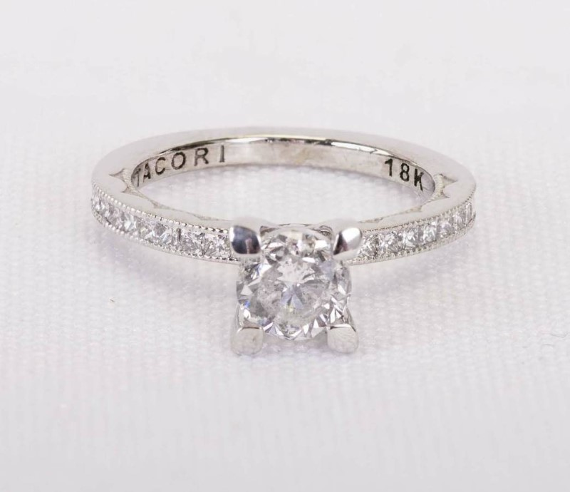 Lady's Eng Ring 1 Round Brilliant Dia.75CTW 22 Round Cut Dia 18KWG 3g