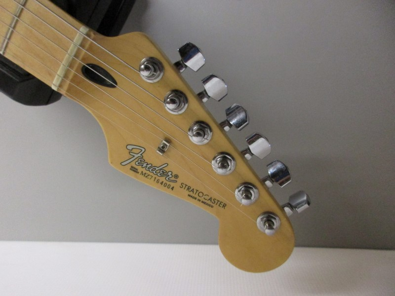 2007 FENDER MIM STRATOCASTER, CANDY APPLE RED
