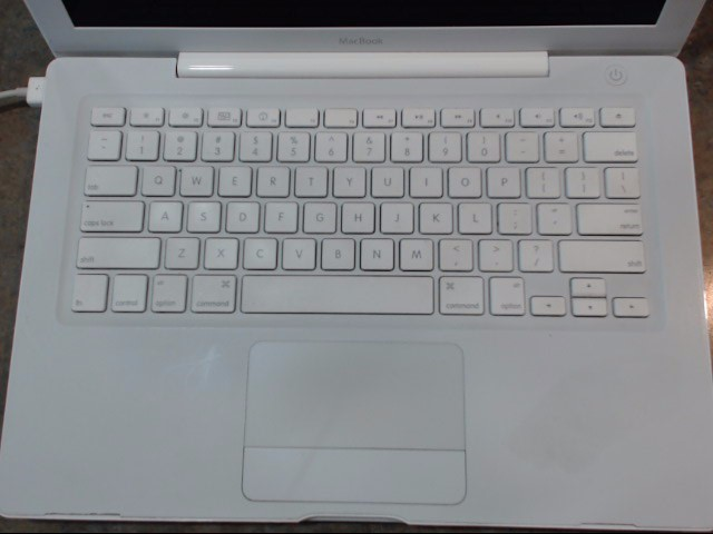 APPLE Laptop/Netbook MACBOOK A1181