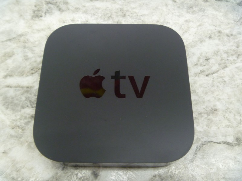 APPLE TV A1469 - 1080P - LIKE NEW - DIGITAL STREAMING AT ITS FINEST