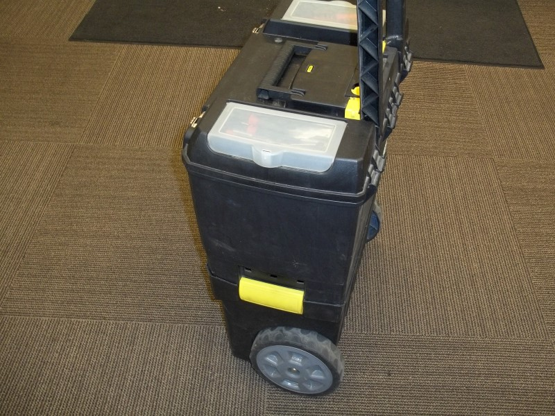 STANLEY WHEELED TOTE