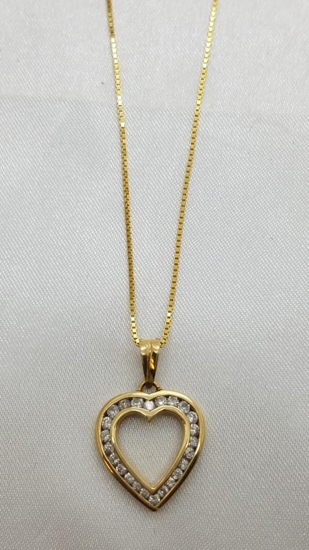 Gold-Multi-Diamond Pendant 25 Diamonds 1.00 Carat T.W. 14K Yellow Gold 1.9g