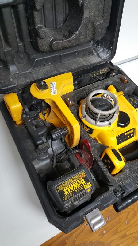 Dewalt DW077 18 Volt Self Leveling Rotary Laser Kit
