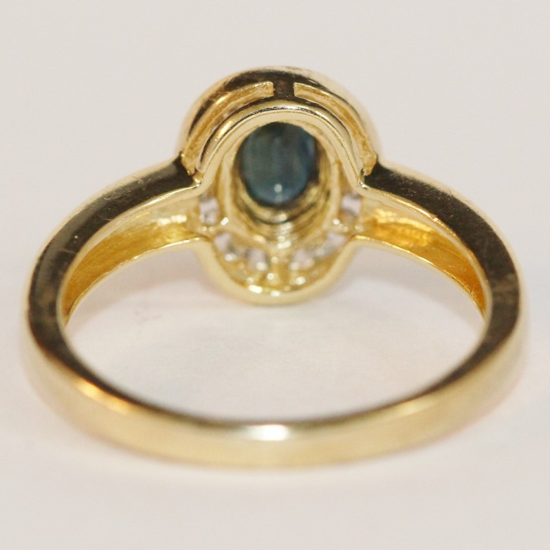 14K Yellow Gold Oval Cut Sapphire and Diamond Ring Size 6.75