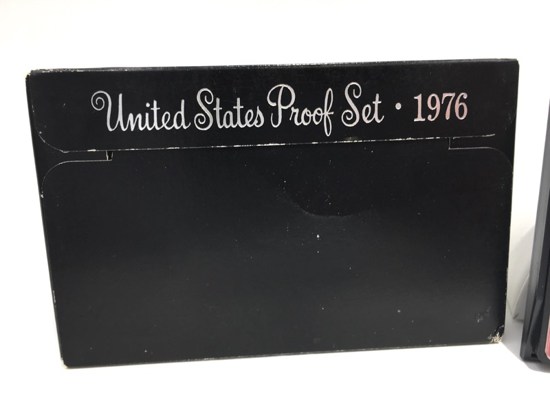1976 S United States Proof Set - Six Coins - Inside Box Display