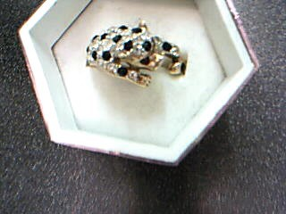 White Stone Lady's Stone Ring Yellow Gold Electroplate 5.01g