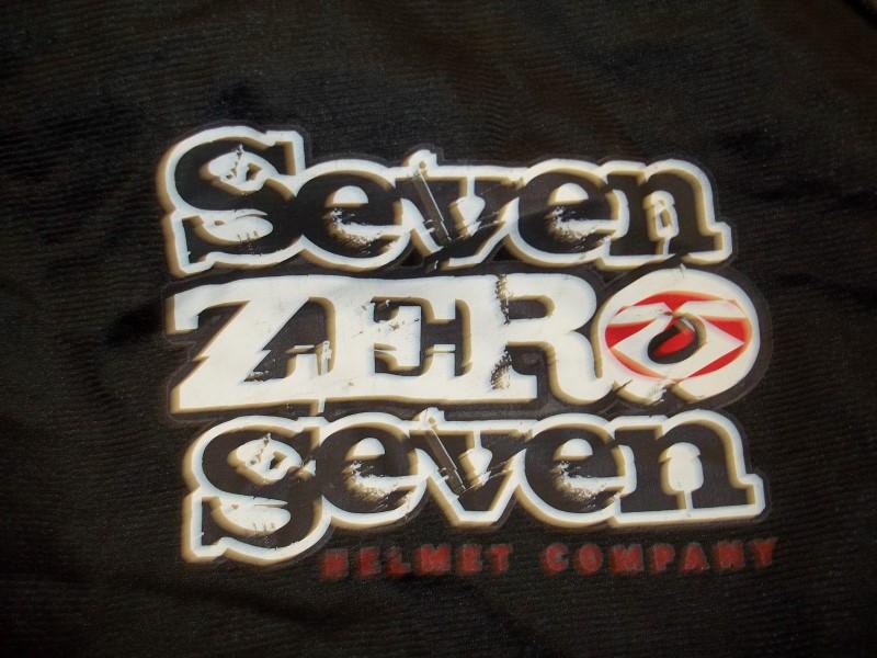 SEVEN ZERO SEVEN WOMANS HELMET