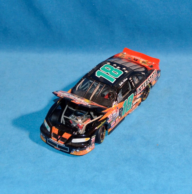 ACTION COLLECTABLES Bobby Labonte #18 NASCAR 1:24 Diecast Car