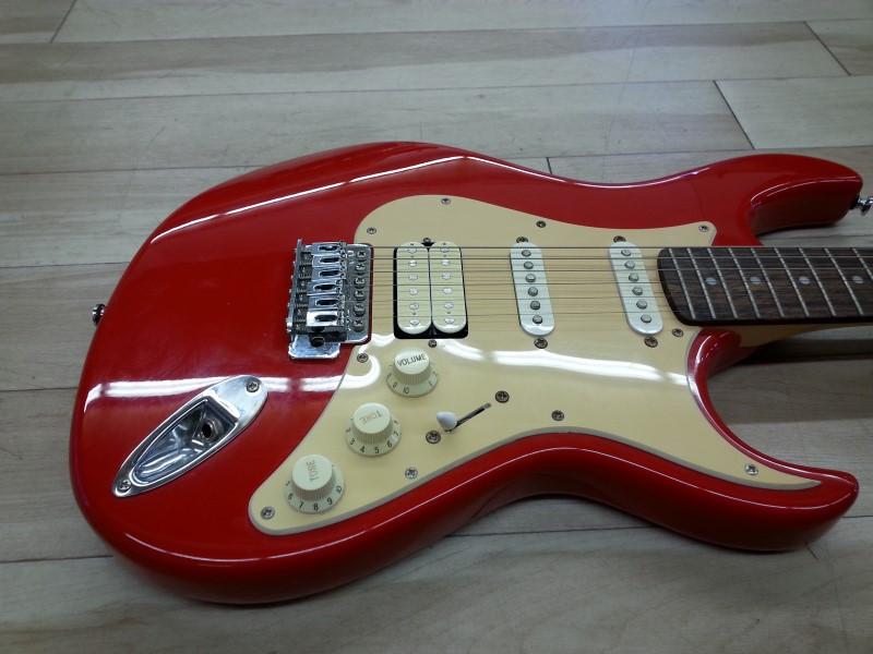 Cort Electric Guitar G110