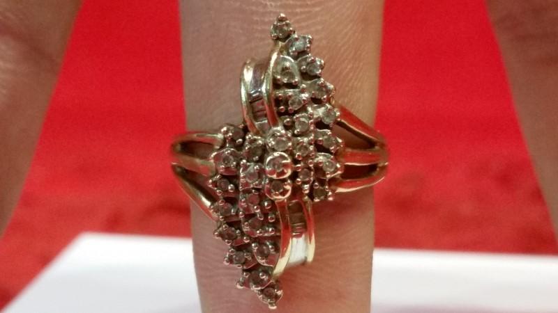 Lady's Diamond Cluster Ring 33 Diamonds .33 Carat T.W. 10K Yellow Gold 5g