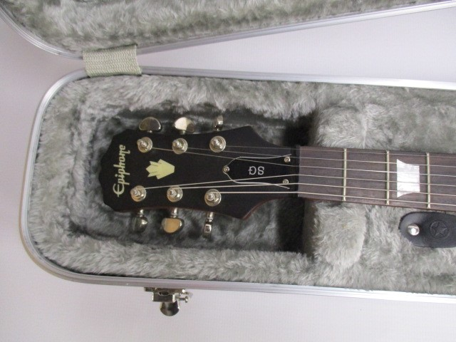 ROAD RUNNER RRMESG ABS MOLDED DOUBLE CUTAWAY GUITAR CASE - USED - VERY GOOD
