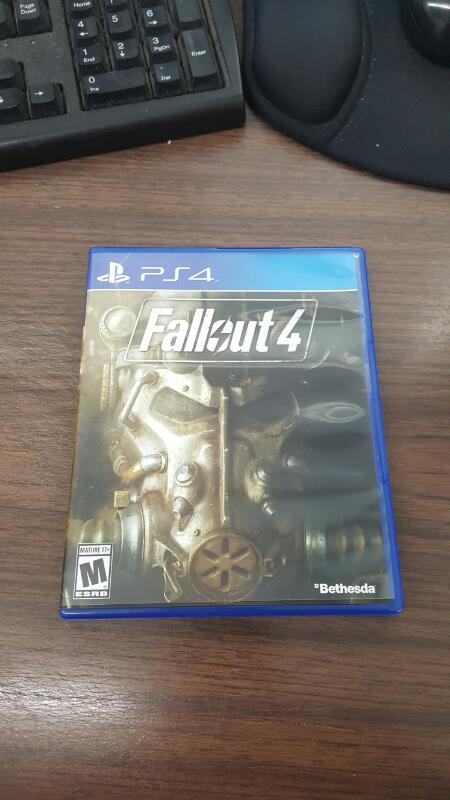 Fallout 4 (Sony PlayStation 4, 2015) PS4