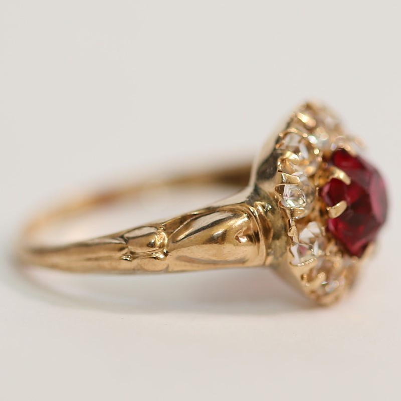 10K Yellow Gold Round Cut Red & White Stone  Ring Size 8