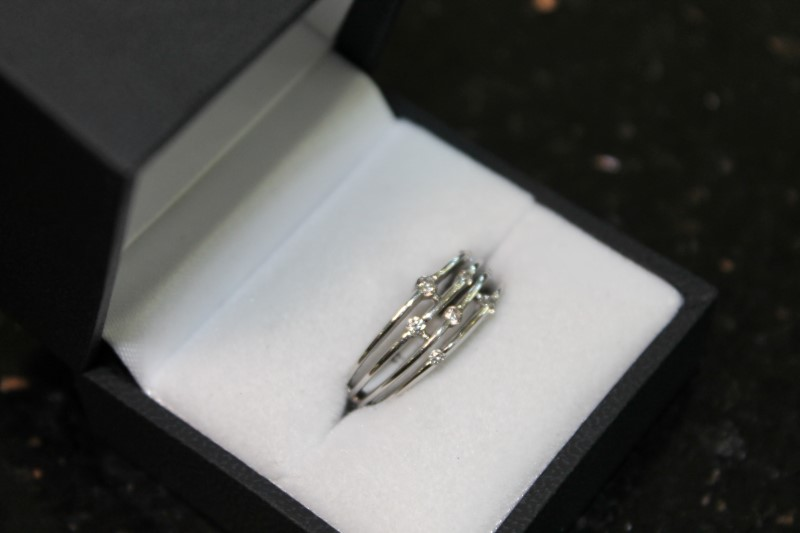 LADY'S 10K WHITE GOLD DIAMOND FASHION RING