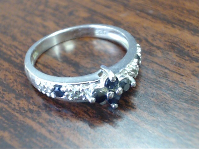Lady's Silver Ring 925 Silver 2.4g Size:7