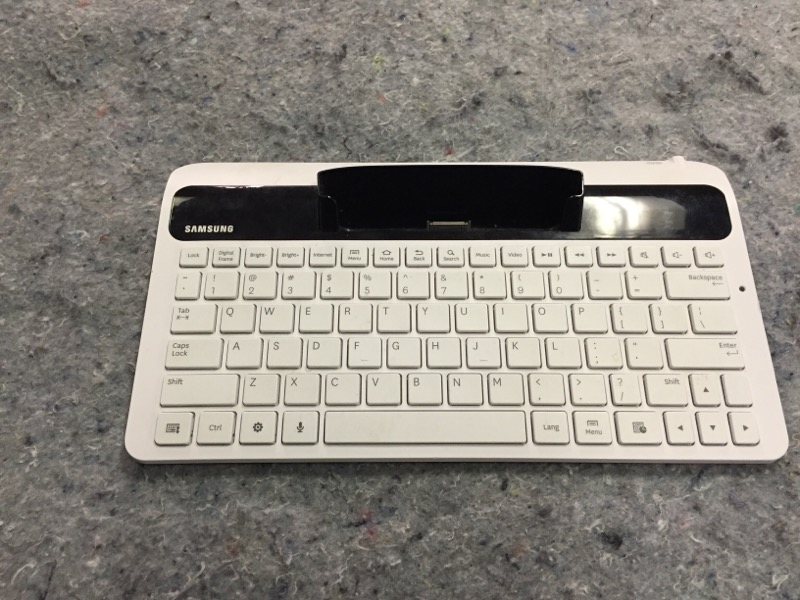 SAMSUNG Computer Accessories ECR-K10AWEBXAR KEYBOARD WH