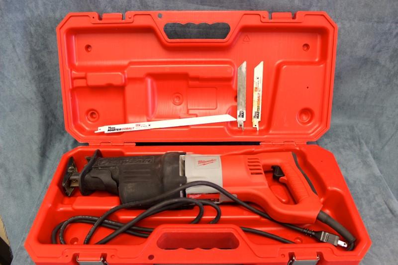 Milwaukee 6520 21 >> Milwaukee Sawzall Reciprocating Saw - Model # 6520-21 Very ...