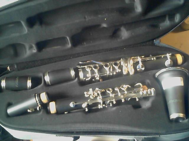 FIRST ACT Clarinet CLARINET