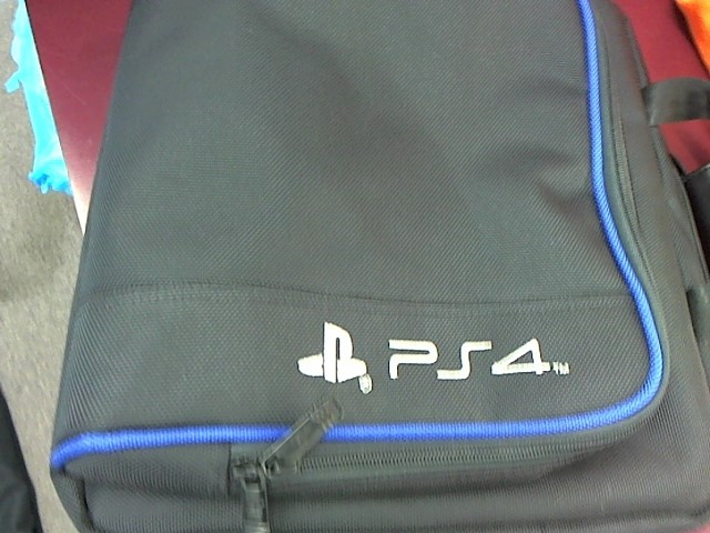 PS4 SOFT CARRYING CASE