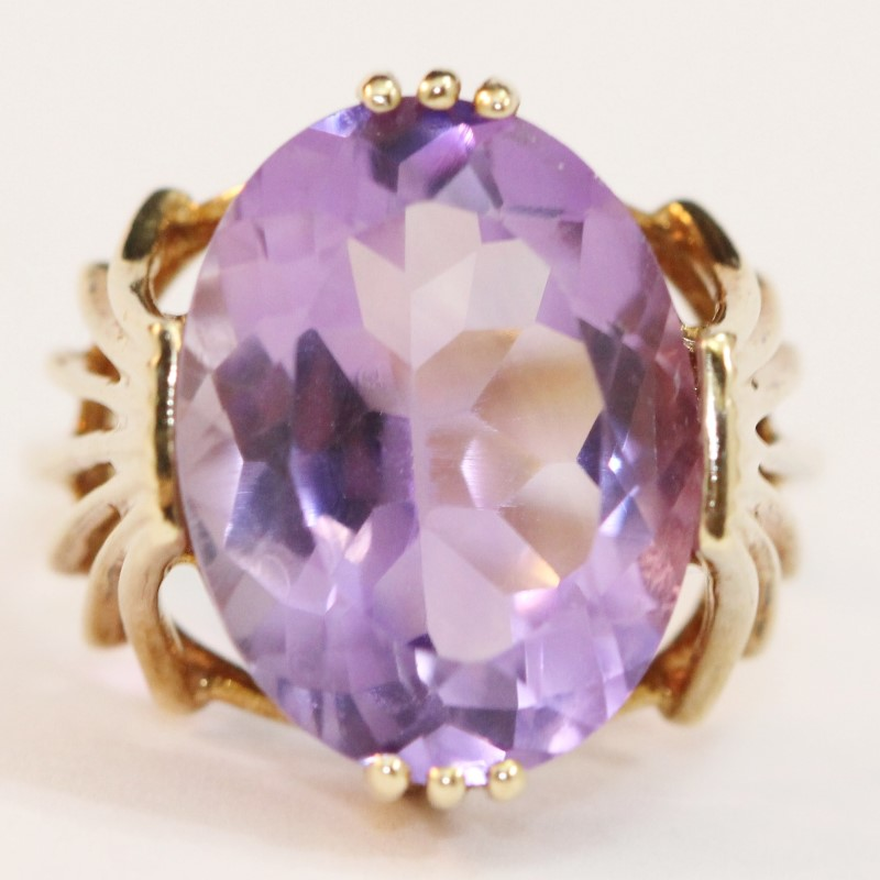 Vintage Inspired 10K Yellow Gold Oval Cut Amethyst Ring Size 6.25