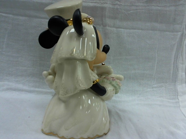 LENOX Collectible Plate/Figurine DISNEY SHOWCASE MINNIES DREAM WEDDING
