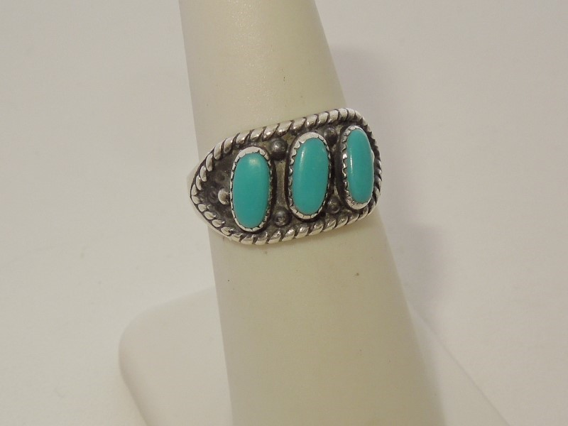 Synthetic Turquoise Lady's Silver & Stone Ring 925 Silver 4.3g Size:6