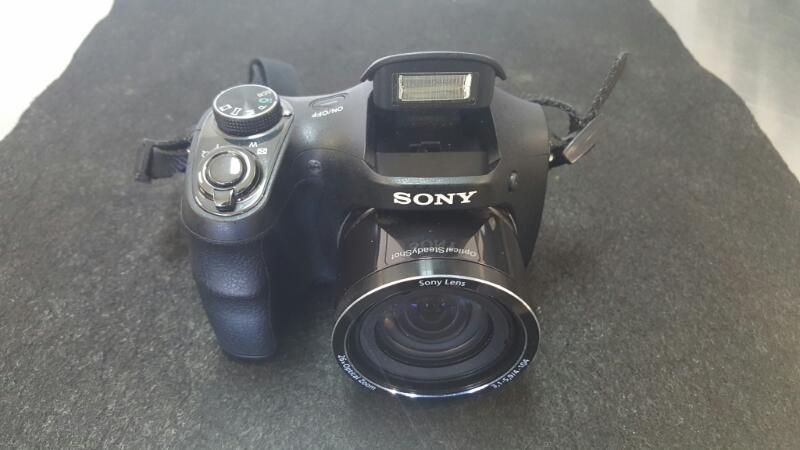 SONY Digital Camera CYBERSHOT DSC-H200