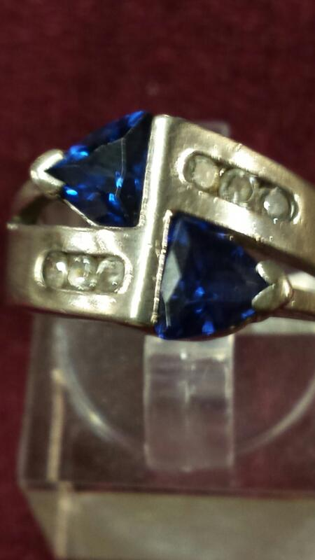 Blue Stone Lady's Silver & Stone Ring 925 Silver 3.24dwt