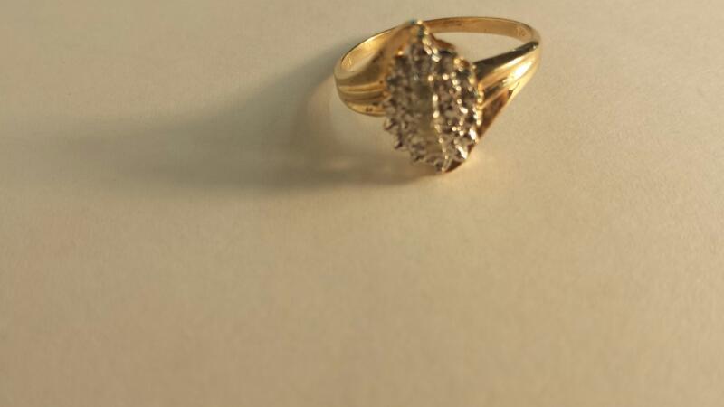 10K-Y/G Diamond Cluster Ring