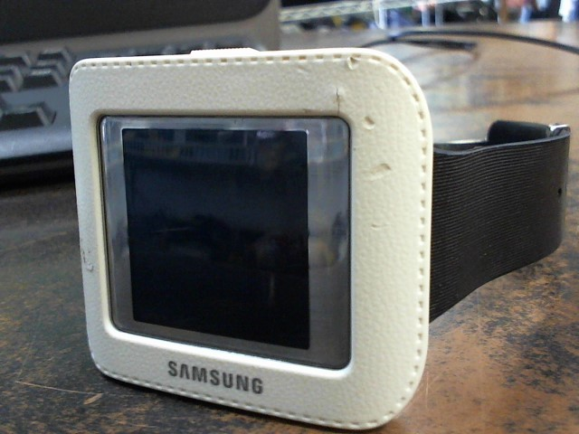 SAMSUNG Gent's Wristwatch SM-V700
