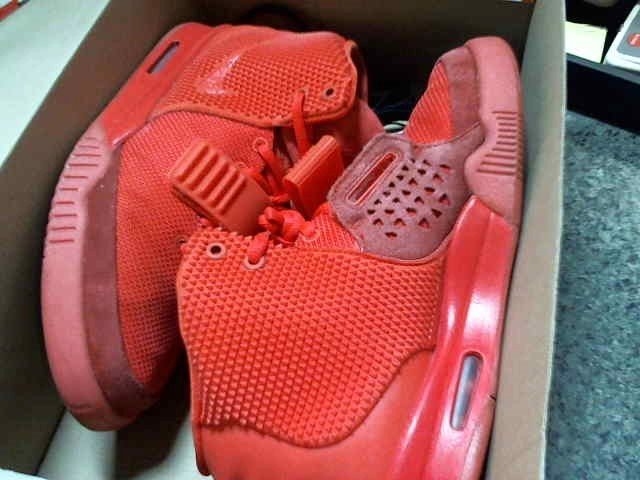NIKE AIR YEEZY 2 SP SZ 9.5 RED OCTOBER-100% authentic