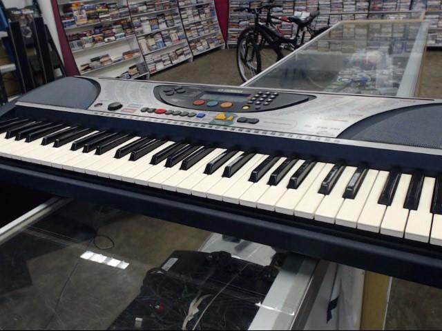 YAMAHA Keyboards/MIDI Equipment PSR-240