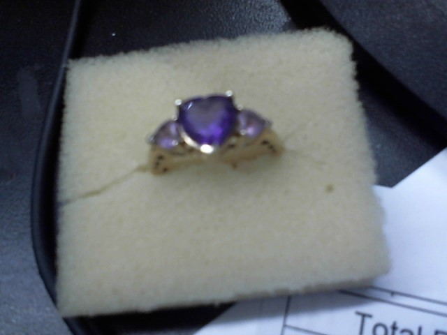 Purple Stone Lady's Stone Ring 10K Yellow Gold 3.2g