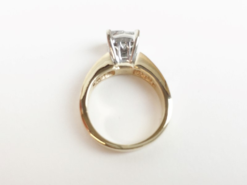 LADIES 14K YG DIAMOND RING APX 1.75CTW