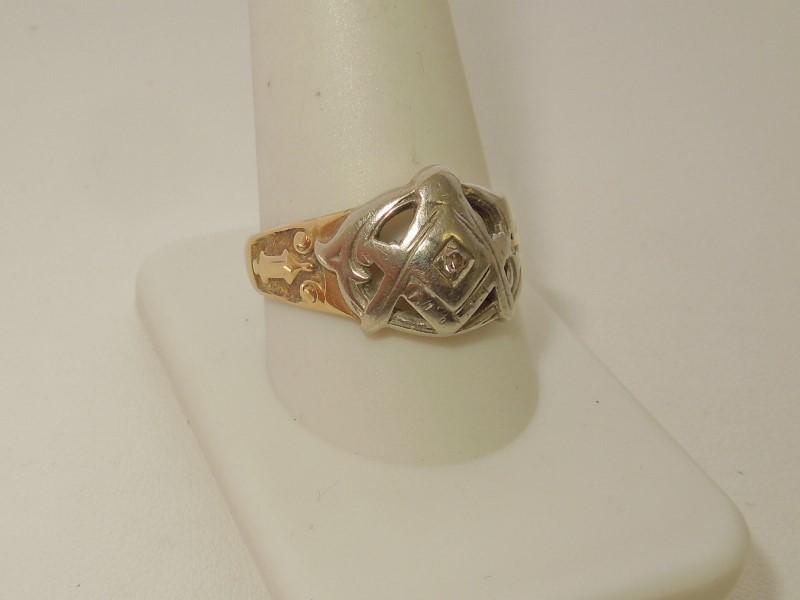Gent's Diamond Fashion Ring .03 CT. 14K 2 Tone Gold 4.9g Size:11
