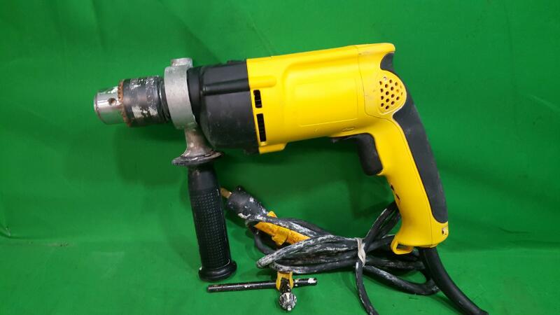 """DEWALT DW511R 1/2"""" 7.8 Amp VSR Variable Speed Reversing Corded Hammerdrill Drill"""