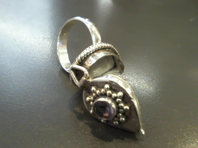 Purple Stone Lady's Silver & Stone Ring 925 Silver 10.1g