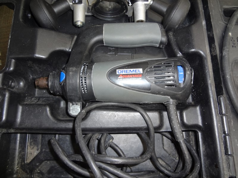 DREMEL MOTOTOOL/DREMEL ADVANTAGE - WITH CASE, FLEX TOOL, AND ROUTER HANDLE